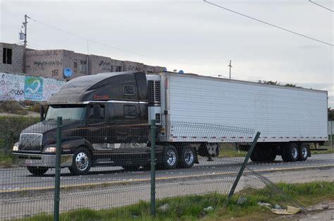 volvo 18 wheeler volvo big rig truck 18 wheeler navymailman flickr