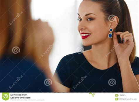elegant mature woman wearing silver jewelry stock photo attractive fashion elegant woman jewelry stock photography