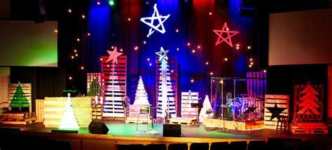 best xmas stage decoration multi pallet church stage design ideas