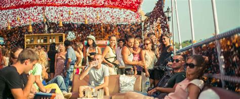 party boat goa plan your best boat party cruise experience in goa we ve