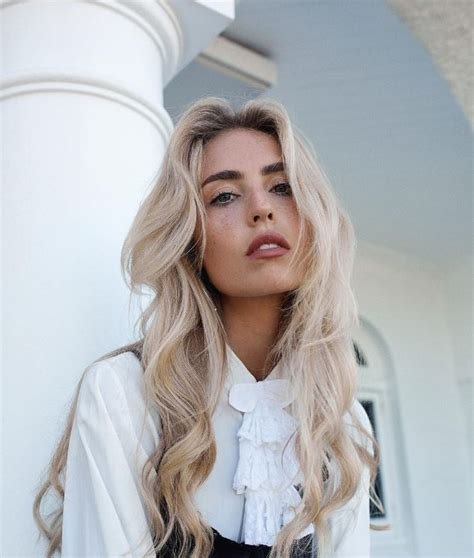 hairstyles for long hair instagram long blonde hair ideas the 22 best styles you should try out