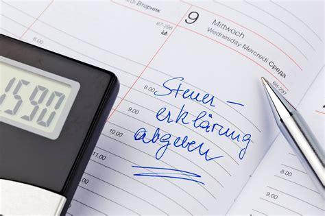 steuererklärung 2013 wann abgeben steuererkl 228 rung abgeben wann ist die frist gewahrt n tv de