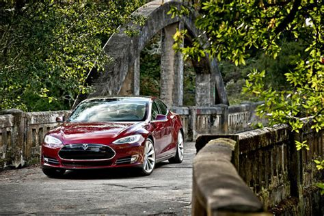 Who Founded Tesla Tesla Ceo Elon Musk Disputes N Y Times Article On Model S