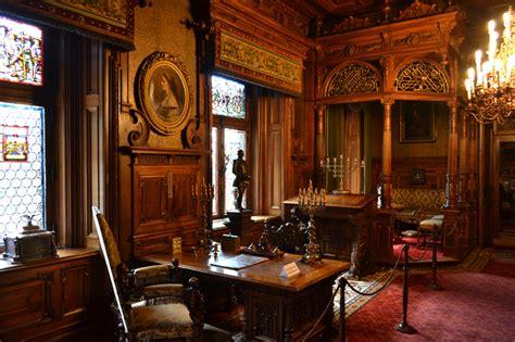 interni di castelli sinaia la perla dei carpazi 1 giorno impalatore travel