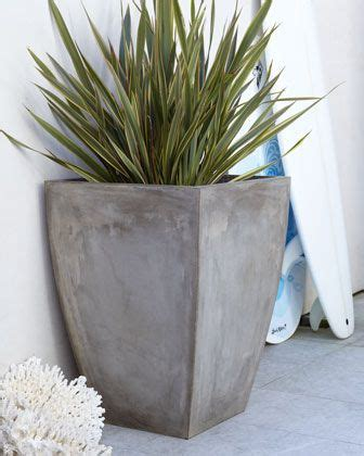 Large Garden Planters Outdoor Decor I Like This Plant As Something To Add Into The Floor If It Goes With A Particular Theme