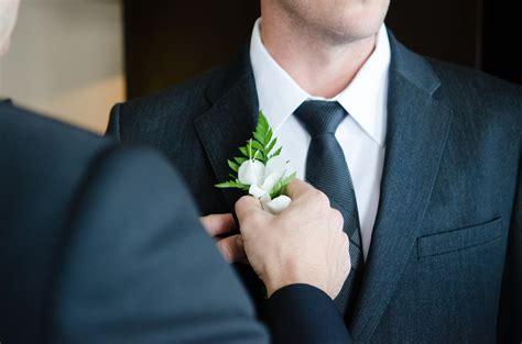fiore all occhiello matrimonio chi deve indossare il fiore all occhiello per il