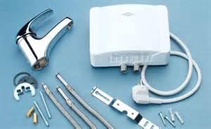 wasserhahn durchlauferhitzer anschließen mischbatterie dusche obi mischbatterie k che wechseln