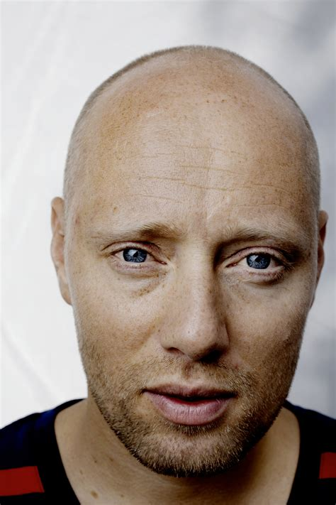 famous singers on pinterest aksel hennie 웃 famous people 유 pinterest