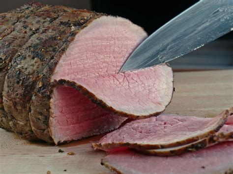 roast beef tenderloin with red currant jus recipe dishmaps