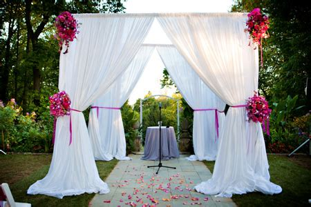 wedding drapery fabric dreamy drapes using fabric draping at your wedding