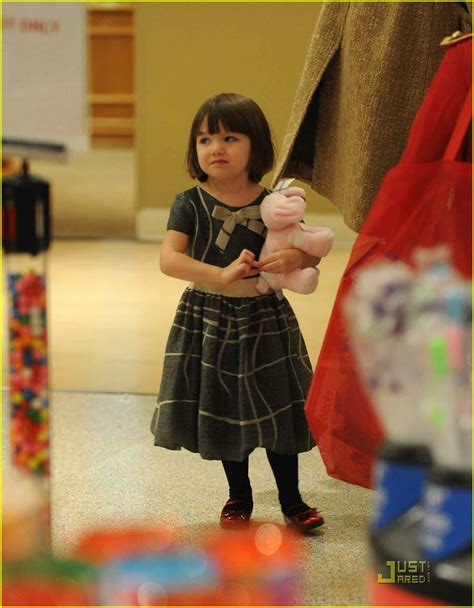 Holmess Shopping Spree For Suri by Suri Cruise Fao Schwarz Shopping Spree Photo 1586451