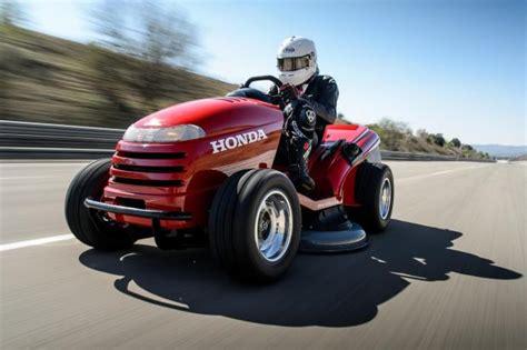 Schnellstes Auto Der Welt Hennessey Bricht Rekord tuning f 252 r den garten dieser rasenm 228 her schafft mehr als