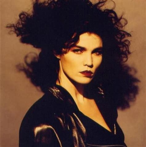 famous female rock stars of the 90 s alannah myles canadian singer and rock chick in the 80 es