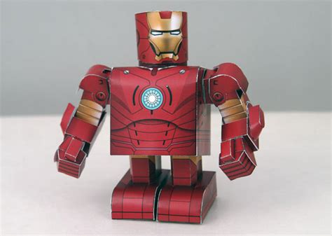 Ironman Papercraft - diy iron papercraft the awesomer