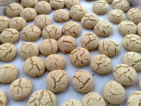 lezzetli yemekler ve tarifleri cevizli kurabiye tarifi on pinterest tahinli kurabiye tarifi yemekev com