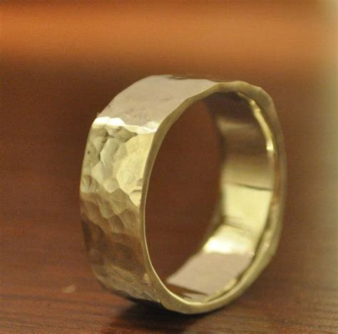 Mens Wedding Rings In Yellow Gold