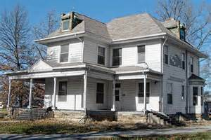 Missouri House Roomy Loaded With Potential Save This