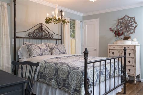 Bedroom Seen by As Seen On Hgtv S Quot Fixer Quot Awesome Bedrooms
