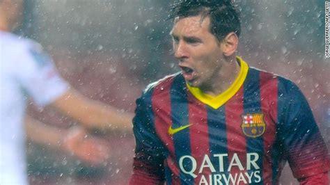 Messio Raincoat Ventilator By Mezzo 4 lionel messi puts barcelona top in three way la