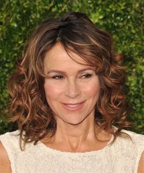 pictures of jennifer tilley with short curly hair 25 best ideas about curly medium hairstyles on pinterest
