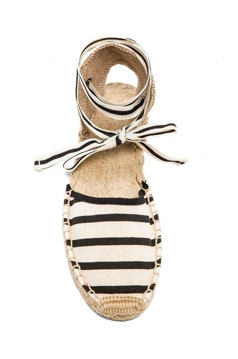 Sepatu Stripe Flip 25 best ideas about striped sandals on