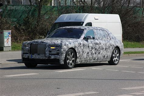 roll royce phantom 2018 spy photos 2018 rolls royce phantom i new cars