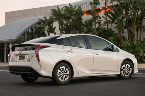 2016 toyota prius exterior rear review 2016 2018 future cars 2016 toyota prius 2017 2018 best cars reviews