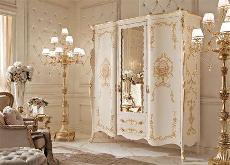 armadi classici di lusso 17 migliori idee su mobili in stile country su