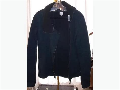 bench clothing winnipeg bench ladies sweater jacket esquimalt view royal victoria