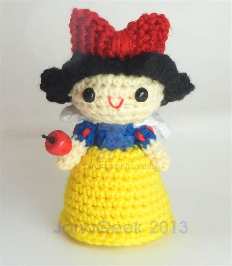 pattern for snow white collar snow white crochet doll with apple by janageek on deviantart