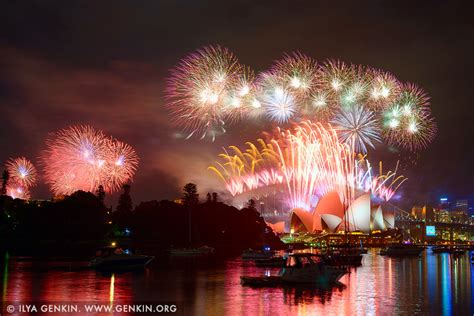 new year fireworks sydney 2015 sydney s new year fireworks 2015 harbour bridge