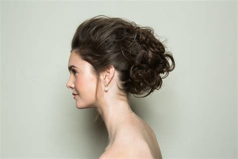 Bridal Bun Hairstyles Step By Step by Bridal Hairstyle Step By Step Glam Textured Bun