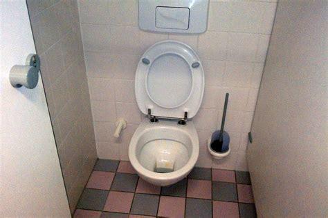 wie schreibt toilette lkw fahrer finanzministerium fordert toiletten tagebuch