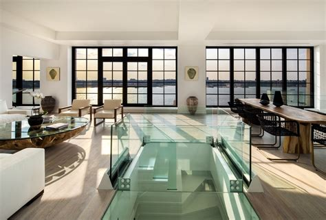 Craigslist Room Nyc by Breathtaking Nyc Penthouse Comes Complete With It S Own