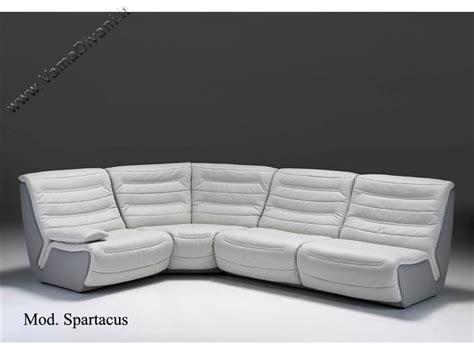 divani in pelle angolari divano modulare con elementi completamente rifiniti
