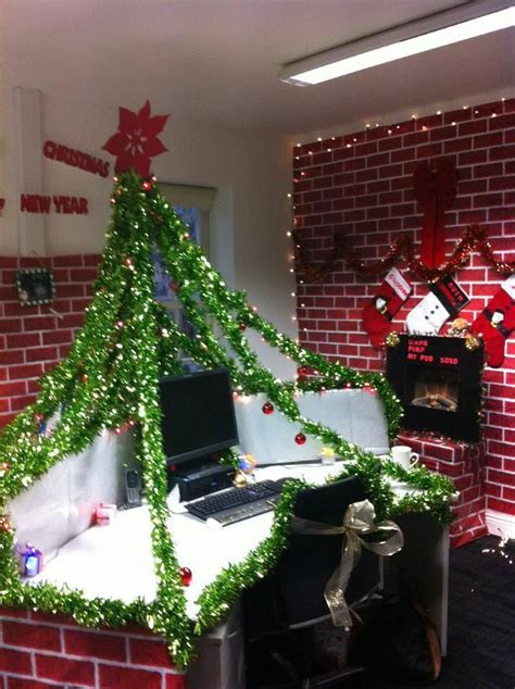 christmas desk ideas 17 best ideas about office decorations on cubicle decorations