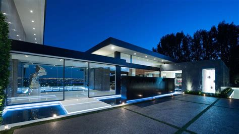 luxury contemporary homes stunning contemporary luxury residence in bel air ca usa