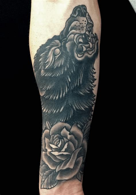 wolf with rose tattoo best wolf to howl at the moon top 161 of all time