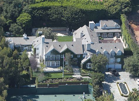 Tom Buys A Mansion by 28 Tom Cruise Sells Beverly The 20 Most