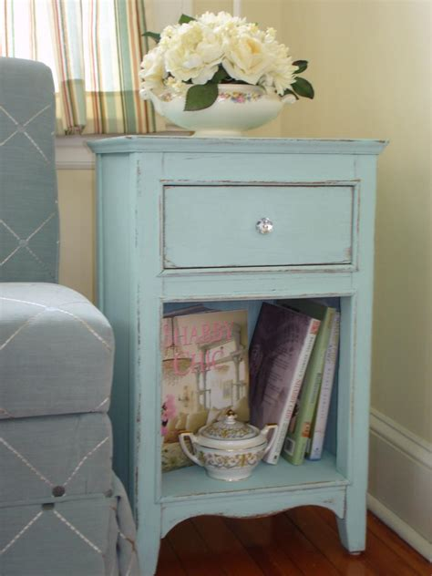 Segiempat Shabby Chic Seri 3 By add shabby chic touches to your bedroom design hgtv