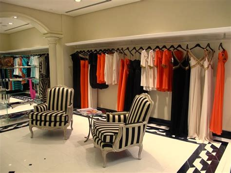 interior design ideas of a boutique mititique boutique fashion boutique interior with modern
