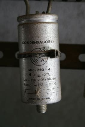 ac motor capacitor function what is an ac motor capacitor sciencing