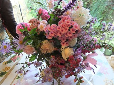 cottage garden bouquet pin by lesley pinkett on inspiration for small garden
