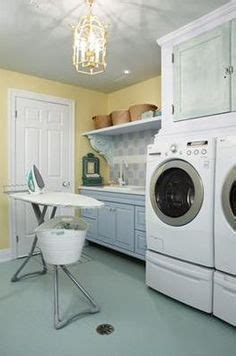 sarah richardson farmhouse laundry sarah richardson laundry room rubber flooring google