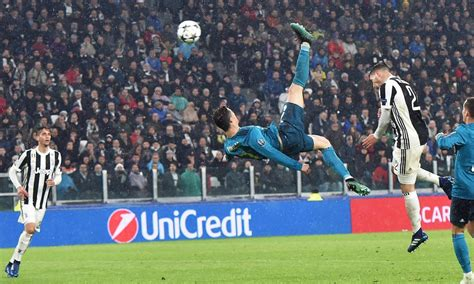 ronaldo juventus goal bicycle cristiano ronaldo sends soccer world into a frenzy with beautiful bicycle kick goal for the win