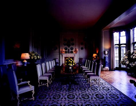 leeds castle dining room 1920s deco fashion