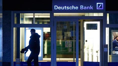 Deutsche Bank Warns Vulgar Traders
