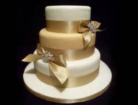 Wedding Cake Gold The Wedding Collections Pretty Gold Wedding Cakes