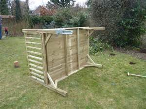 plan pour construire une cabane en bois sur pilotis