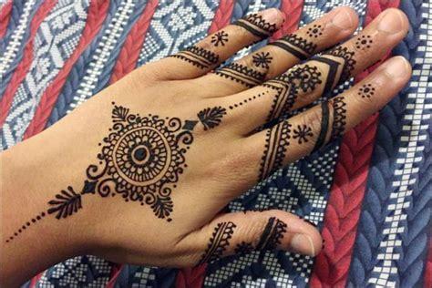 7 Stunning Bridal Mehendi Designs